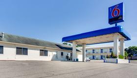 Motel 6 Fayetteville, AR - Fayetteville - Rakennus
