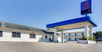 Motel 6 Fayetteville, AR - Фейетвилл - Здание