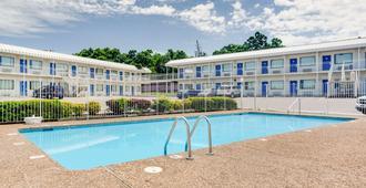 阿肯色費耶特維爾 6 號汽車旅館 - 法耶特維爾 - 費耶特維爾 - 游泳池