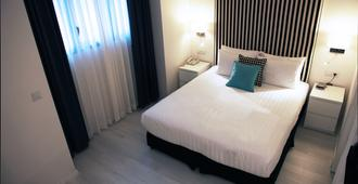 Best Western Regency Suites - Tel Aviv - Bedroom