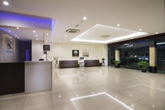 一洋酒店及服務式公寓酒店 - 檳城 - 檳城喬治市 - 櫃檯