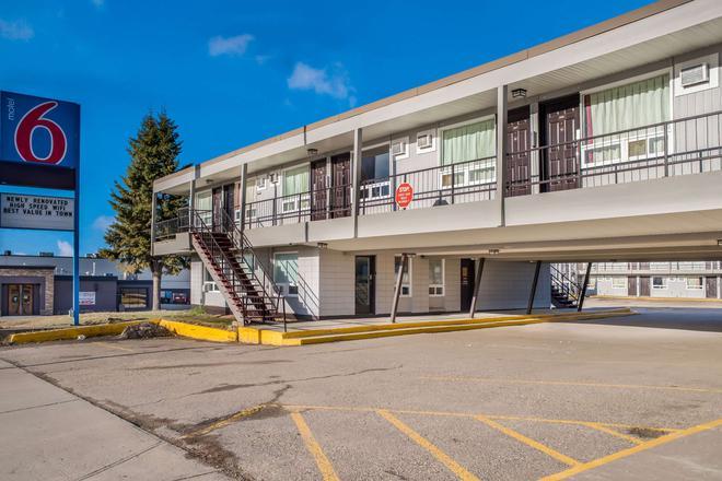 Motel 6 Fort St. John, B.C. - Fort St. John - Building
