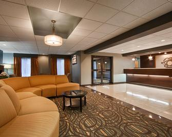 Best Western Plus Coldwater Hotel - Coldwater - Лоббі