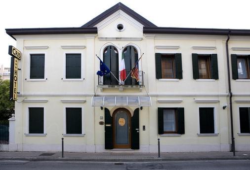 Hotel Cris - Venice - Building