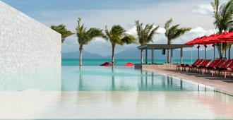 The COAST Adults Only Resort and Spa Koh Samui - Ko Samui - Piscina
