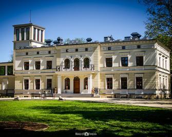 Palac Wierzbiczany - Gniewkowo - Building