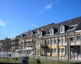 Hotesia Les Gorges de la Truyère - Entraygues-sur-Truyère - Building
