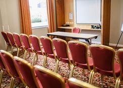 Holiday Inn Express Antrim - Antrim - Зал засідань