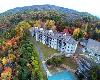 Deer Ridge Mountain Resort - Gatlinburg - Building