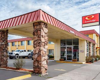 Econo Lodge - Prineville - Building