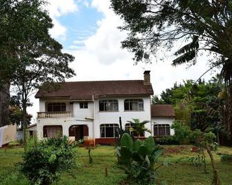 Afrique Paradis Hotel - Nyeri - Building