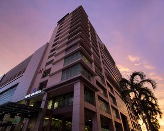 Grandis Hotel - Kota Kinabalu - Building