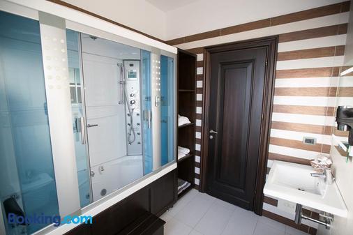 Hotel Victoria - Tirana - Bathroom