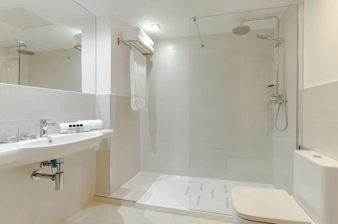 Hesperia Barri Gòtic - Barcelona - Bathroom
