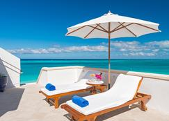 Point Grace - Providenciales - Strand