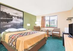 Super 8 by Wyndham Buffalo - Buffalo - Bedroom