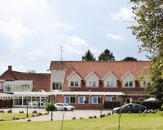 Fangel Kro & Hotel - Bellinge - Building