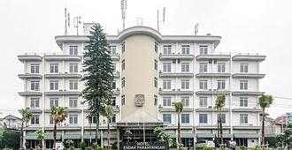 Endah Parahyangan Hotel - Bandung - Building