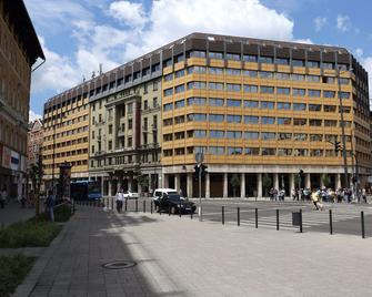 Danubius Hotel Hungaria City Center - Budapest - Building