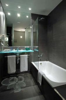 Vincci Maritimo - Barcelona - Bathroom