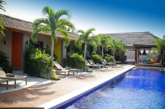 Balinea Villa & Spa - North Kuta - Bể bơi