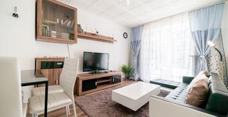 Private Apartment Pfarrstraße - Hannover - Living room