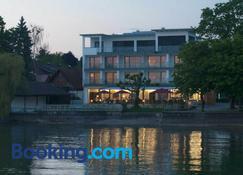 Seehotel Kressbronn - Kressbronn am Bodensee - Bâtiment