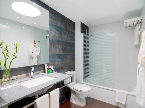 H10 Sentido White Suites - Playa Blanca - Phòng tắm