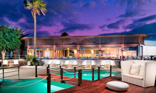 H10 Sentido White Suites - Playa Blanca - Toà nhà