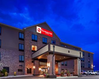 Best Western PLUS Casper Inn & Suites - Casper - Building