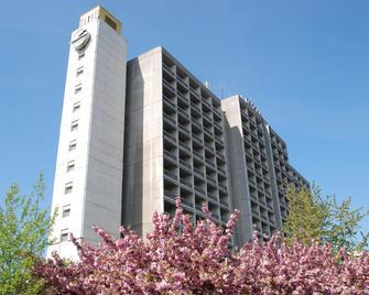 Intourist-Zakarpattia Hotel - Oezjhorod - Gebouw
