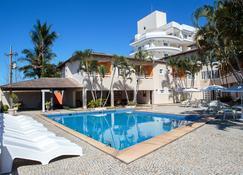 瓜拉派瑞諾瓦酒店 - 瓜拉帕里 - 游泳池