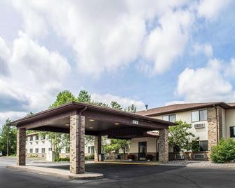 Quality Inn - Minocqua - Gebäude