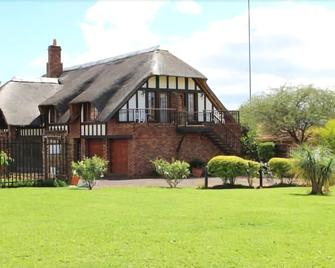 Wynchmore Cottage - Malelane - Building
