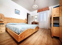 Hotel Stella Alpina - Fai della paganella - Bedroom