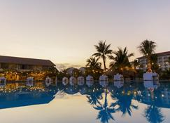 Bao Ninh Beach Resort - Dong Hoi - Piscina