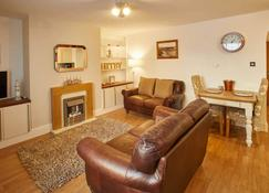Rock Pipit Apartment - Whitby - Bedroom