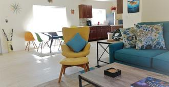Couples & Family Retreat Close To Airport, Cruiseport & Beach Uvc Purified! - Fort Lauderdale - Sala