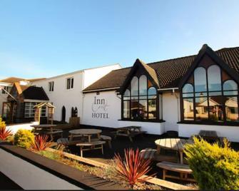 Inn On The Coast - Portrush - Building