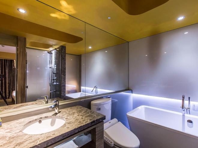 Inhouse Hotel - Taipei - Bathroom