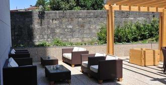 Axis Porto Business & Spa Hotel - Porto - Patio