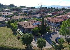 Villa San Nicola B&B - Follonica - Vista del exterior