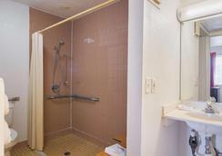 Motel 6 Russellville, AR - Russellville - Kylpyhuone