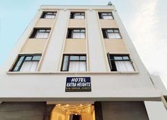 Hotel Katra Heights - Katra - Building