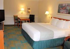 La Quinta Inn by Wyndham Lufkin - Lufkin - Bedroom