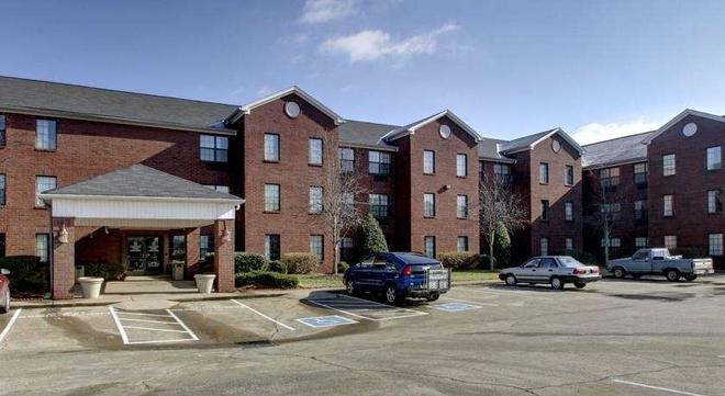 Intown Suites Extended Stay Murfreesboro Tn Old Fort Pkwy - Murfreesboro - Rakennus