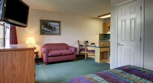 Intown Suites Extended Stay Murfreesboro Tn Old Fort Pkwy - Murfreesboro - Bedroom