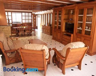 Casa Pintor - Sant Sadurní d'Anoia - Living room