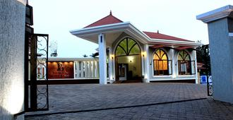 The Grand Leoney Resort - Vagator - Building