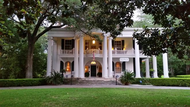 Belle Oaks Inn - Gonzales - Rakennus